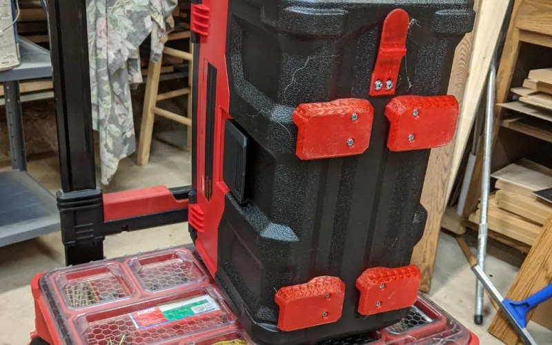 Milwaukee M18 Wet Dry Vacuum Packout Mounting Feet