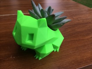 bulbasaur_planter_low_poly