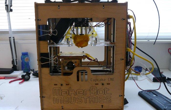 history of 3d printing Makerbot Cupcake CNC
