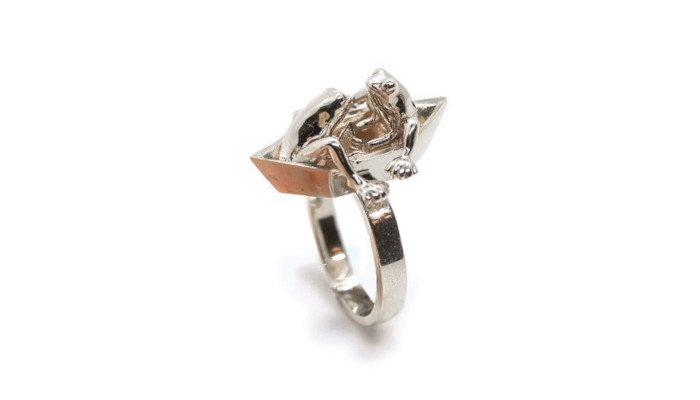 gulf stream 3d printed ring with frogs on an origami boat by anna reikher