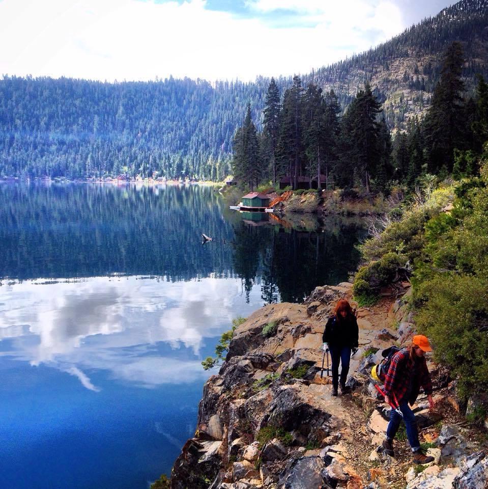 hiking mountains social media detox