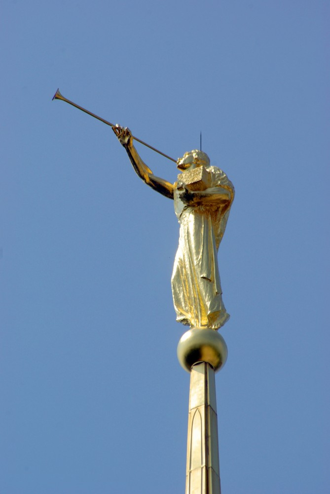 Avard T. Fairbanks's Angel Moroni, Washingtron D.C. Temple (Photogent.com)