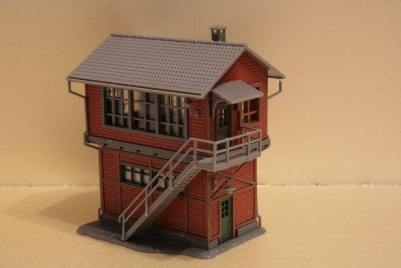 IMG_4785-1024x683 Wat zit er in de doos - Faller 120120 - Seinhuis Mittelstadt
