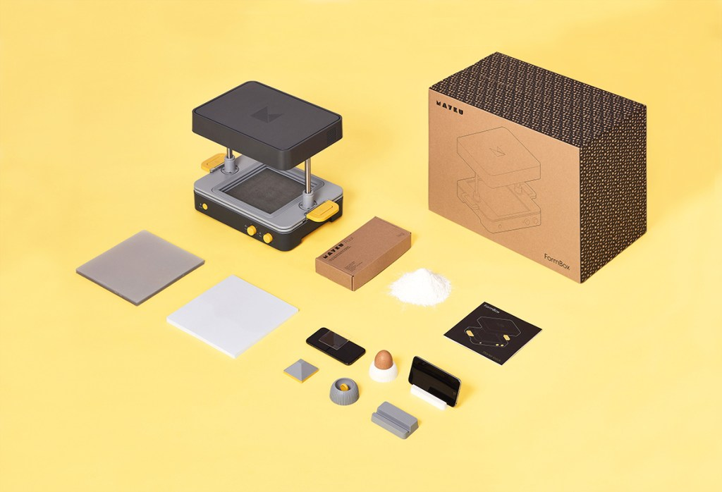 Image showing what is inside of the Mayku FormBox package