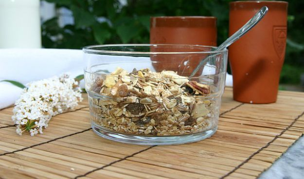 Oatmeal | 25 Surprisingly Simple Home Remedies for Cold and Flu