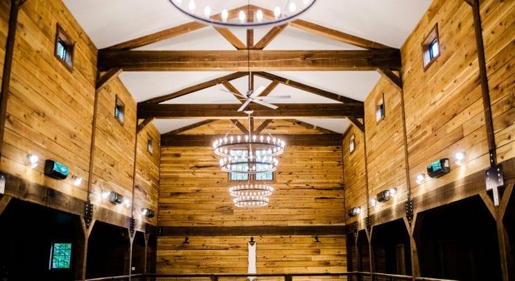 Elegant Barn Wedding Venue - 3FatLabs.net