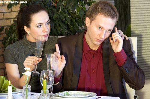 https://i2.wp.com/3gca.org/wp-content/uploads/2012/12/cell-phone-dinner.jpg?w=1240