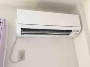 新しくなったエアコンで部屋の雰囲気もスッキリ