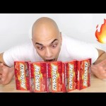 تحدي اكل حلاوة حارة جهنمية صعبة العلك بنكهة القرفة كمية 5 علب اكثر من 2000 سعرة حرارية