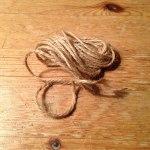 Cordón para hacer un pom pom