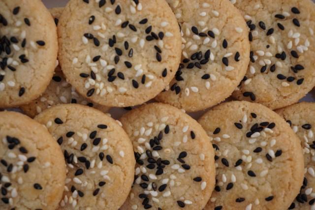 Sweet & Salty Sesame Cookies