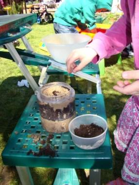 Making a wormery