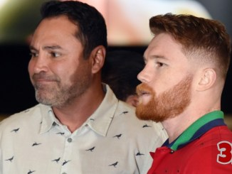 "Oscar De La Hoya (left) and Saul ""Canelo"" Alvarez"