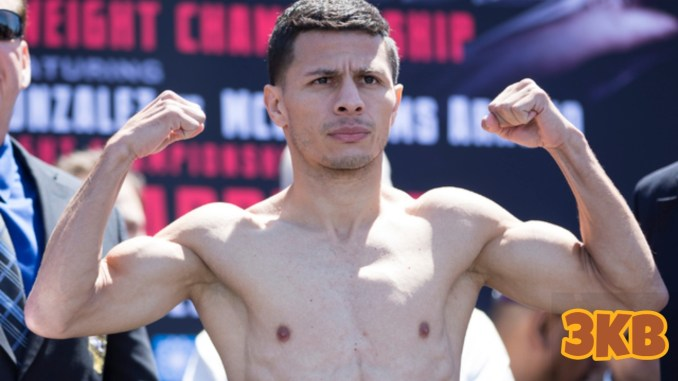 McWilliams Arroyo makes weight