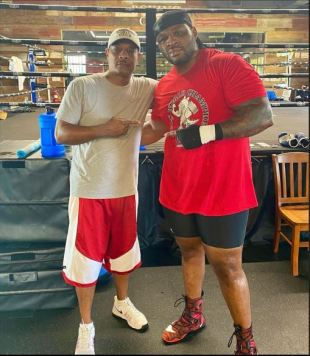 Jarrell Miller and Kevin Cunningham pose for the camera.