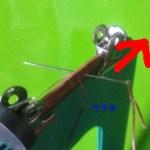 ウラから針を入れ手前に縫う180度回転