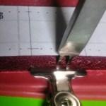 風呂敷ハンド用の縫い穴をあける
