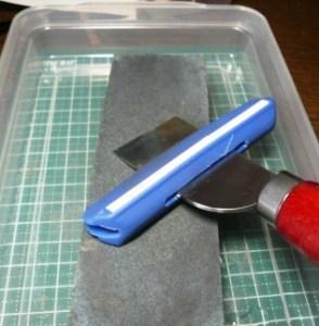 革包丁を研ぐ