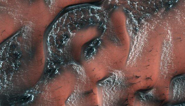 На Марсі виявили озеро з водою