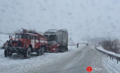 На Львівщині заборонили оух вантажівок