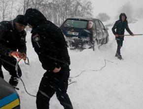 Дорогу Київ-Одеса закрили через замети