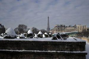 Париж, сніг