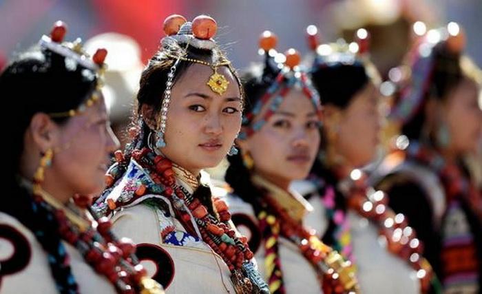 Тибет, наречені