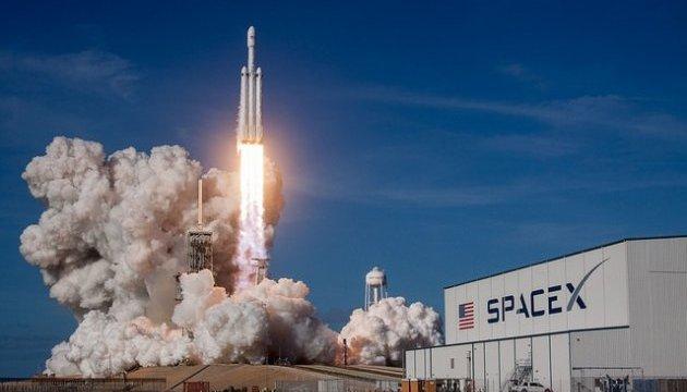 Компанія SpaceX відправила на орбіту нову групу мінісупутників