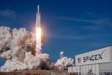 SpaceX запустила ракету з 60 супутниками