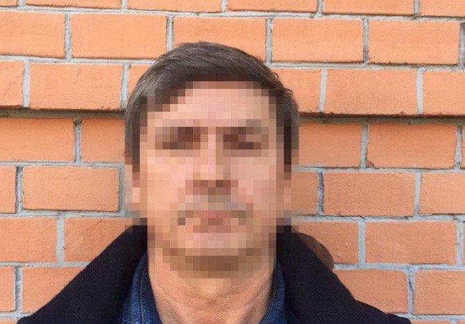 """У Херсоні група сєпарів намагалася відбити у офіцерів СБУ кримського """"депутата"""""""