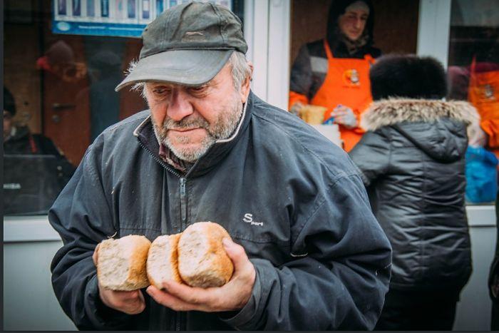 "Донецьк. Наші дні. ""Піща жізні"""