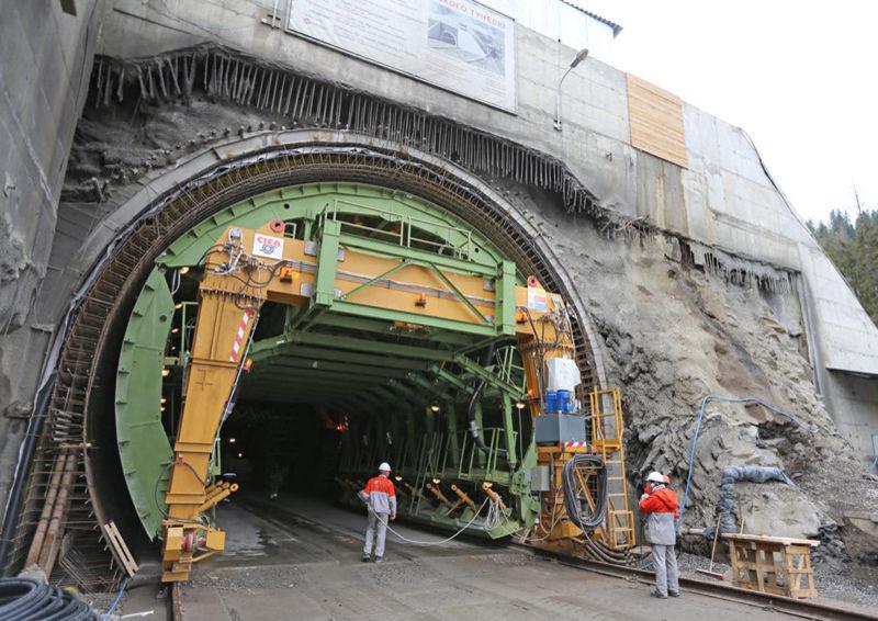 Бескидський залізничний тунель. Будівництво