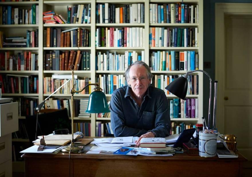 Відомий британський письменник, лауреат Букерівської премії Ієн Мак'юен