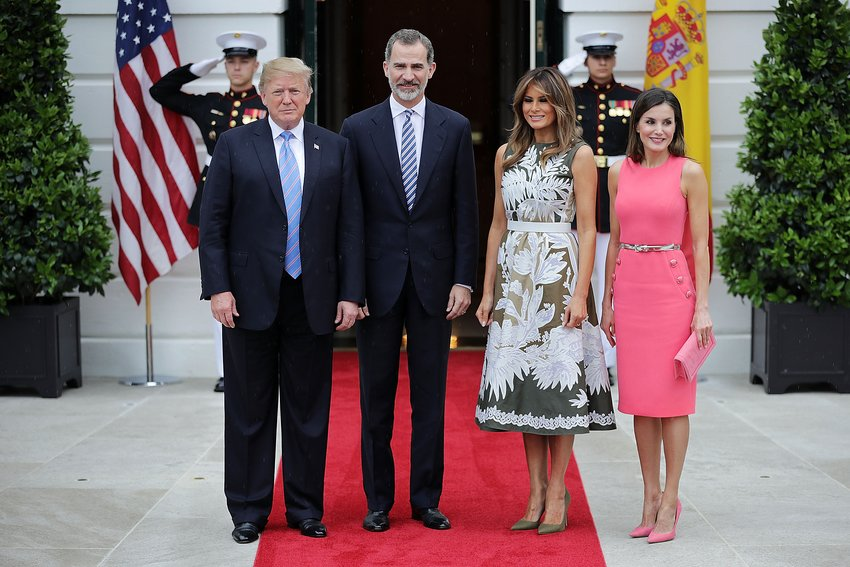 President Donald Trump, King Felipe VI of Spain, first lady Melania Trump and Queen Letizia of Spain pose for photographs outside the White House June 19