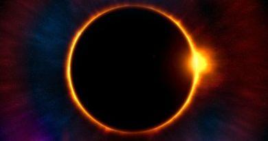 Біля Сонця помічено незвичайні сфери – відео