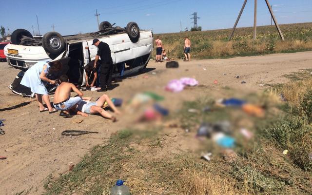 На Запоріжжі КАМАЗ врізався в маршрутку. Загинуло багато дітей