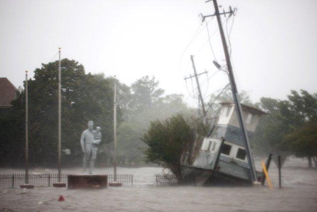 """фото шторму """"Флоренс"""""""