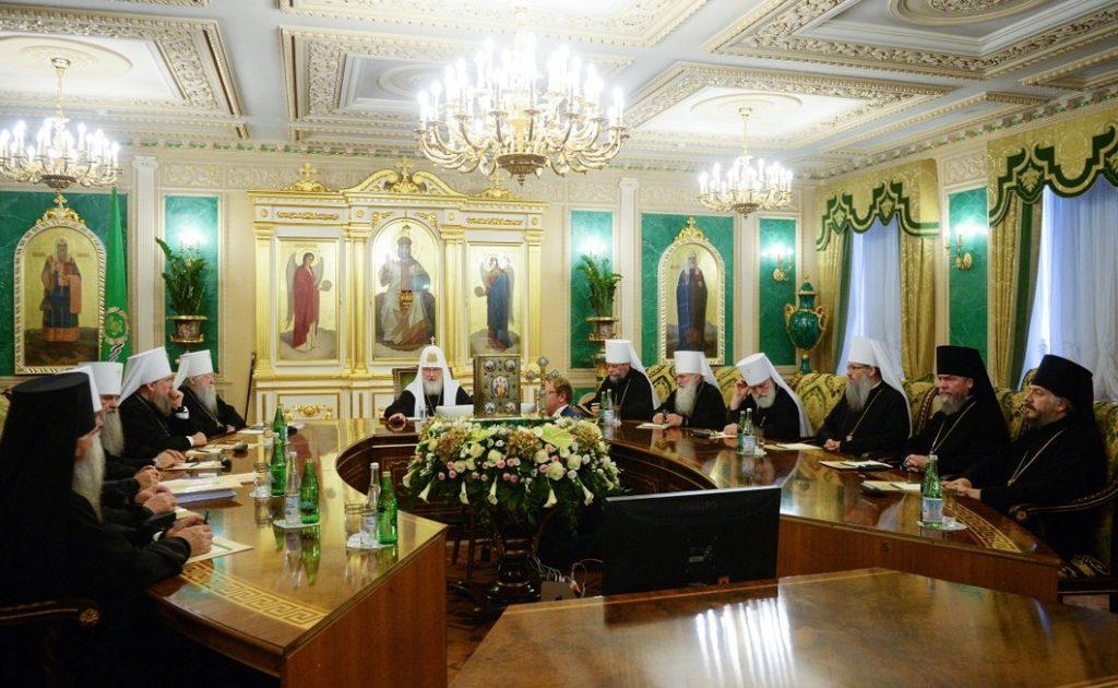 Кремль порадив патріархові Кирилу стулити пельку