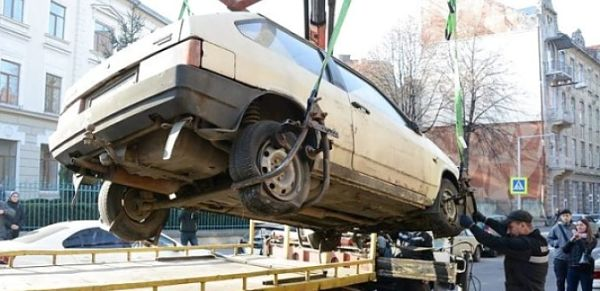 Львів, евакуація автомобілів