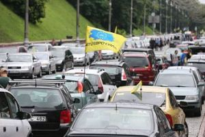 Євробляхери-контрабандисти продовжують блокувати дороги