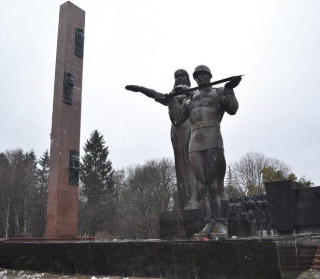 У Львові демонтують один з головних символів російської окупації
