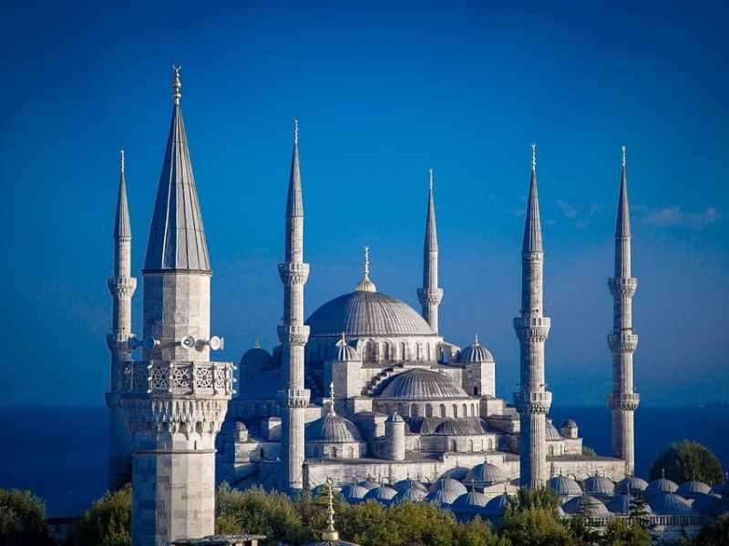 Туреччина братиме з туристів податок на безпеку