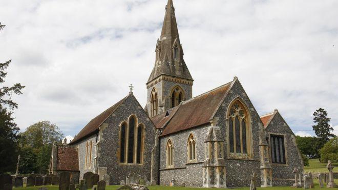 Порожні храми. Англіканська церква скасувала щонедільні служби