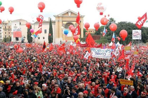 Клоуни докерувалися. В уряду Італії – проблеми з народом