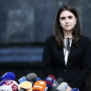 Речниця Зеленського звинуватила ЗСУ в обстрілах мирних жителів – відео