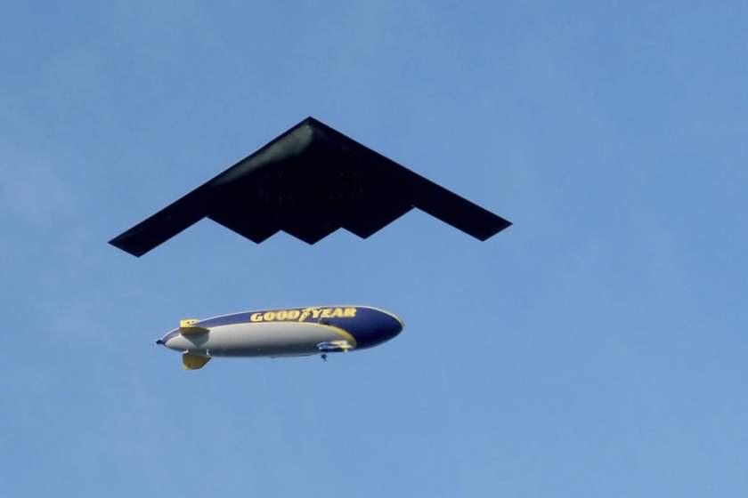 Військовий літак B-2 Spirit
