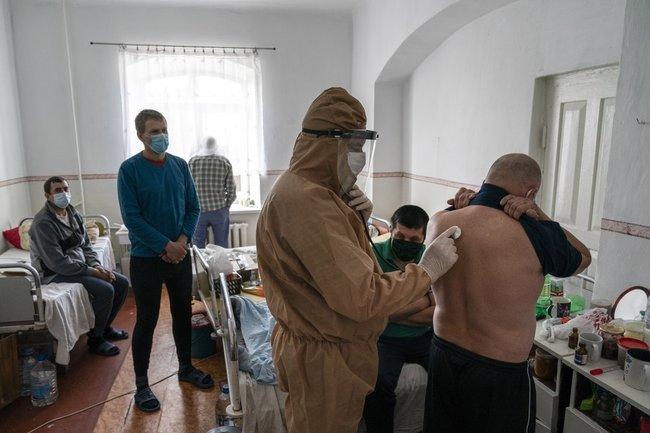 лікарня, хворі на коронавірус