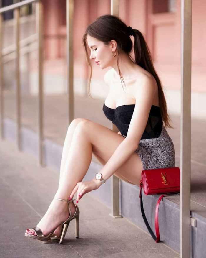 Аріадна Мажевська: Короткі сукні, високі підбори