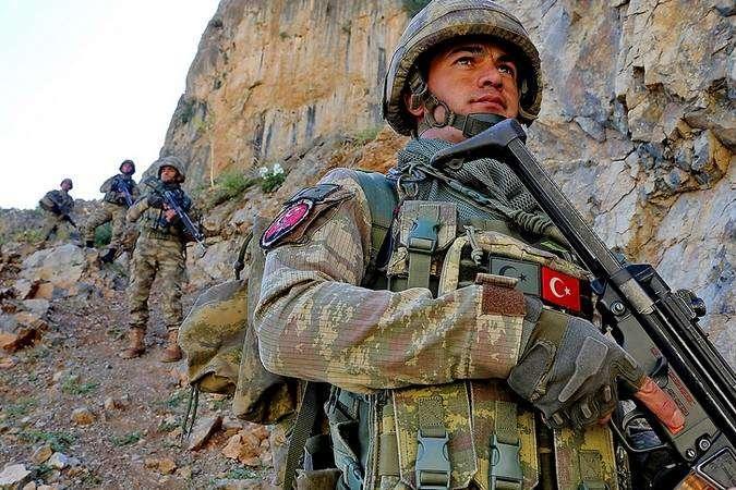 Війна за Нагірний Карабах: Туреччина готова надати Баку військову допомогу