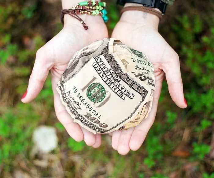 щедрість, допомога, гроші